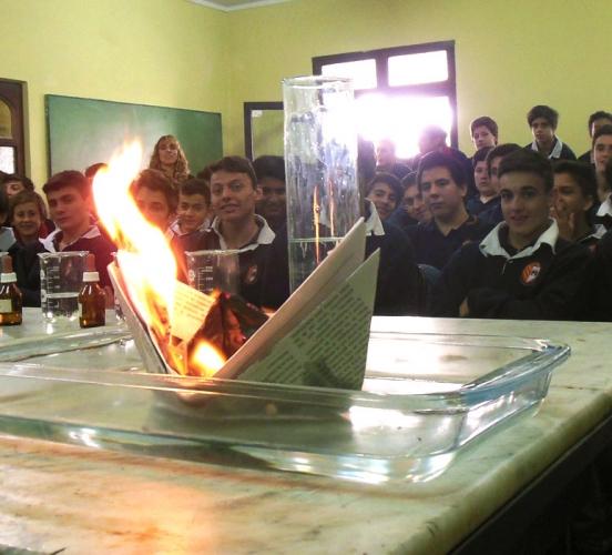 La Magia Química otra vez presente en la Escuela Inmaculada Concepción