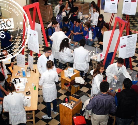 Retro Fest: el Festival de Matemática, Física y Química