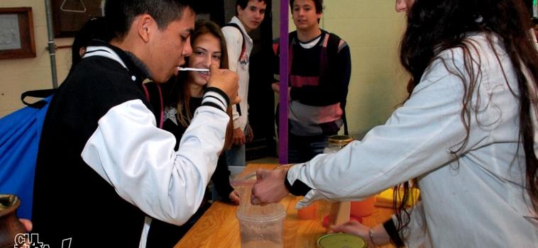 Ciencia al alcance de la mano, el desafío que propone la FIQ